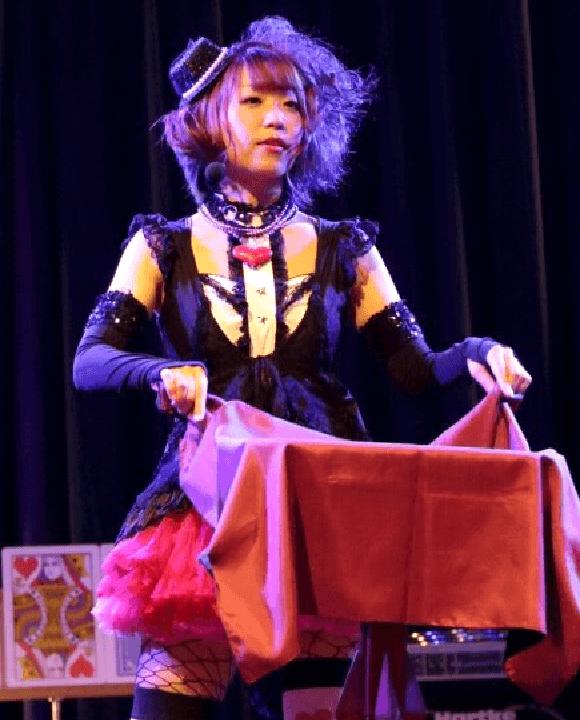 マジシャン叶音ステージマジック|女性マジシャン・マジック