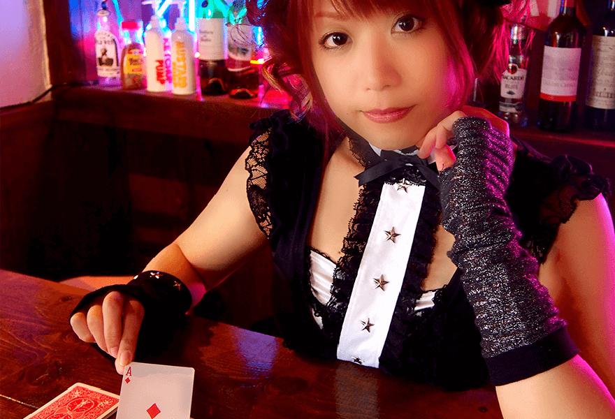 マジシャン叶音テーブルマジック|女性マジシャン・マジック